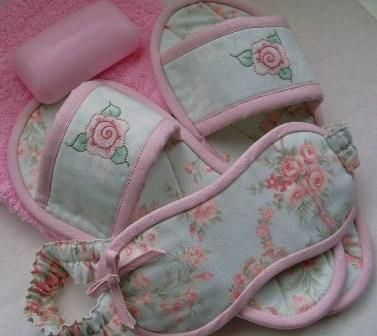 Tutorials - Fleur's Boudoir Set (Slippers and Eye Mask) by Cheryl Goss of Willowberry Designs