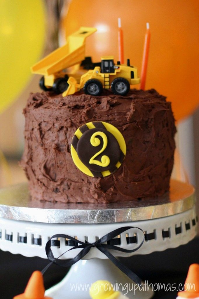 construction cake - I think I could do that...