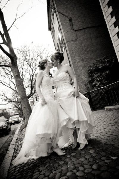xxxSweets Lesbian, White Wedding, Wedding Photography, Gay, Beautiful, Barry Photography, Lesbian Marriage, Lesbian Brides, Events Plans