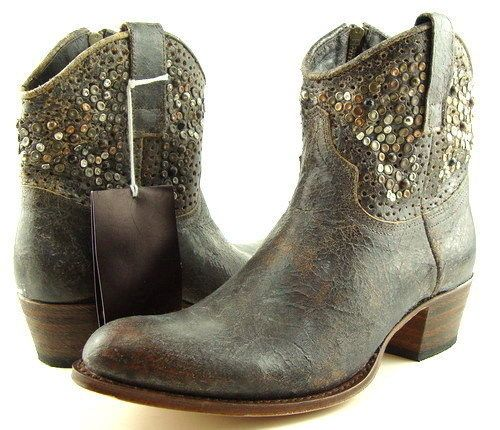 SENDRA Gray Distressed Studded Women's Boot