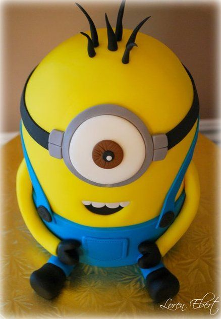 106 best gateau d testable moi images on pinterest for Minion template for cake