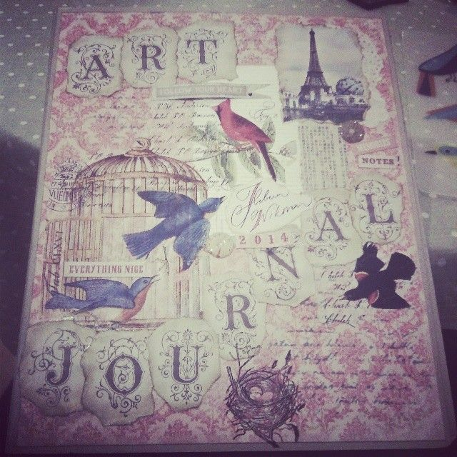 I made a cover  for my artjournalbinder. The pink paper ('Vintage garden') and the letters are from Pion design. The birds and the Birdcage is decopage with a napkin.