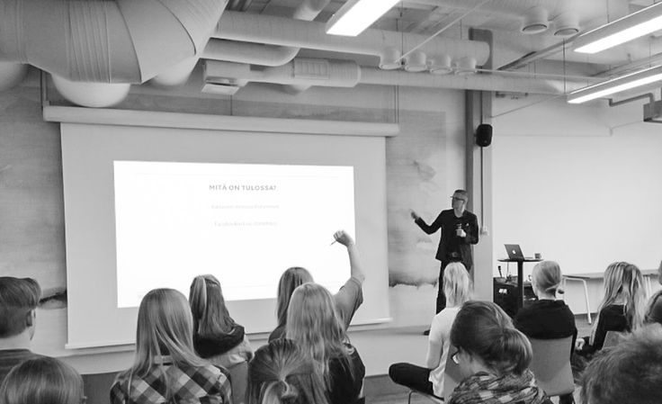 Jari held a presentation of social media and especially what's coming up in the near future. Thank you Proakatemia and all the listeners! Hope to see you soon!