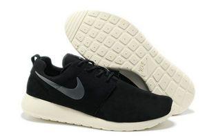 chaussures nike roshe run anti-fur homme (noir/blanc/gris logo) pas cher en ligne en france.