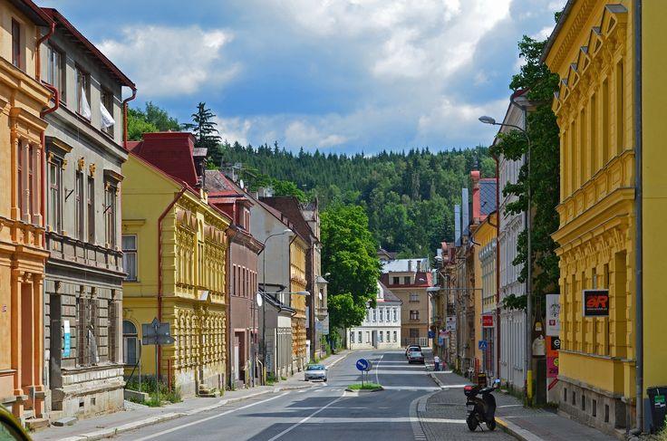 Visit our shop: Antik Jablonec, Podhorska 738/78, Jablonec nad Nisou, Czech Republic