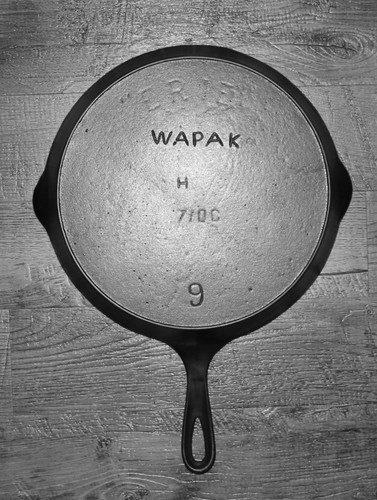 Antique Cast Iron Skillets Markings | ... Marks - The Cast Iron Collector: Information for The Vintage Cookware