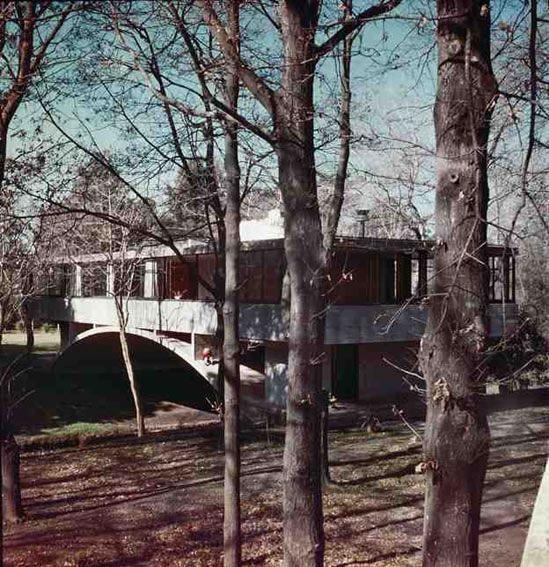 Amancio Williams, Bridge House (Casa Del Puente), (1943-1945)
