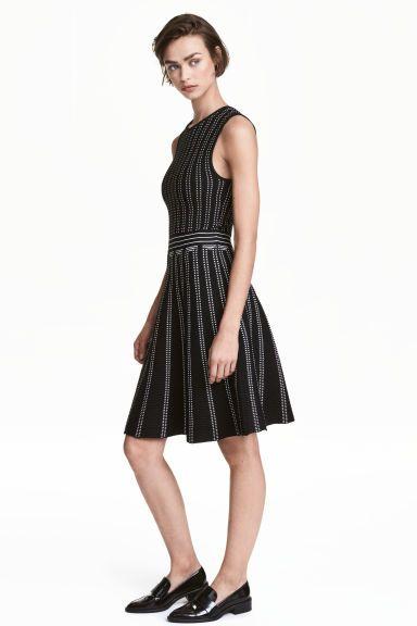 Structuurgebreide jurk - Zwart/wit dessin - DAMES | H&M NL