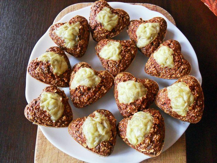 Ostre babeczki to szybkie, smaczne i plastyczne w doborze składników danie. Nie trzeba jeść wszystkich babeczek - można je spakować i zabrać np. do pracy. http://naturalniezdrowy.com.pl/ostre-babeczki/