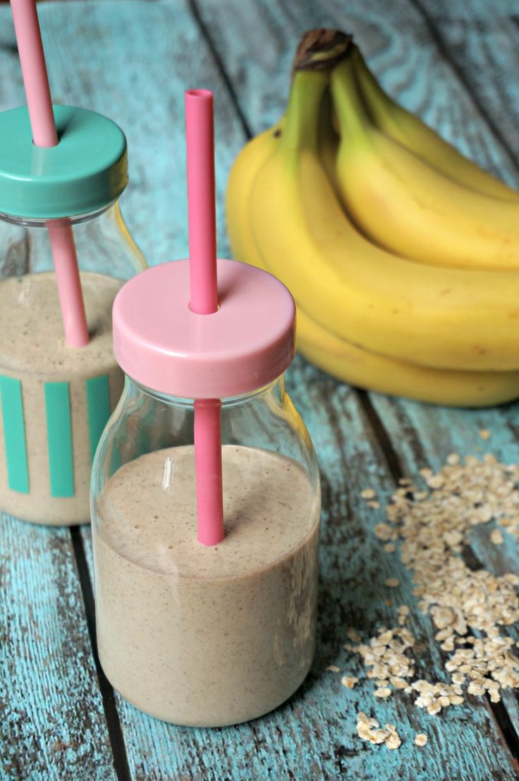 This power-packed oatmeal smoothie delivers all the healthy energy of a bowl of oatmeal in delicious smoothie form- perfect for kids!