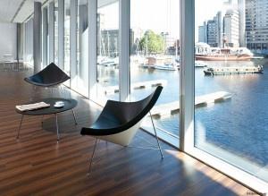 Wartebereich - Coconut Chair  schwarzer Ledersessel