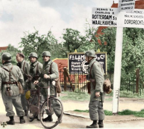 German paratroopers in Holland, 1940.