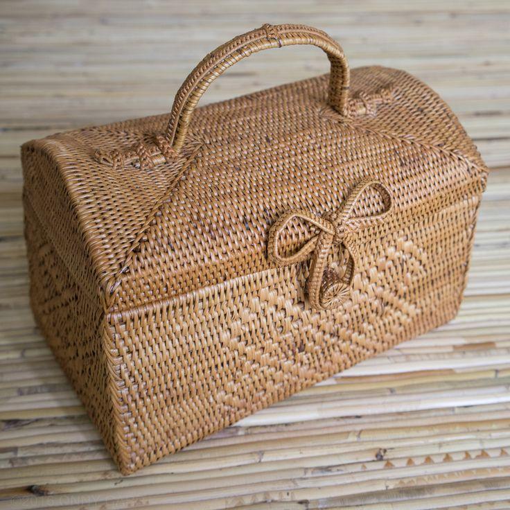 Large Wicker Picnic Basket  www.polkadee.com #rattanbag #polkadee
