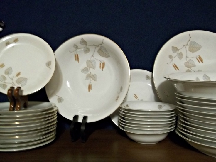 This is a Shinling Bavarian porcelain dinner set from 1947. This lovely set is from US-ZONE GERMANY. this was an estate find and has 34 pristine pieces