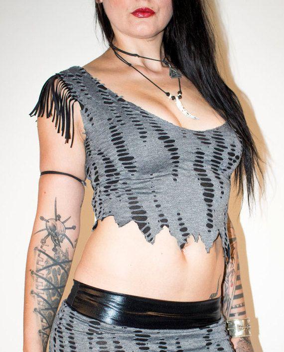 Decaimiento gris - tapa ocasional del Burnout con punk de camisa de flecos hombro metal gótico biker instrumentos Deathmetal Peluffo usa mirada cutted