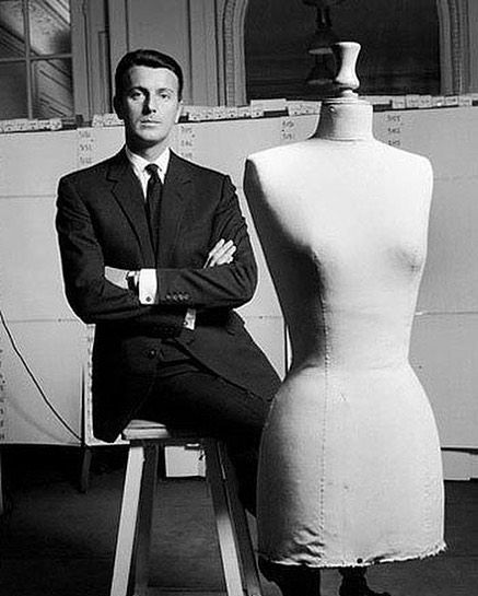 The fashion industry has lost another legend today #RIP Hubert de Givenchy วนนวงการแฟชนไดสญเสย #HubertdeGivenchy ดไซเนอรวน 91 ป ในตำนานผรงสรรคเดรสสดไอคอนคตางๆ ใหกบ Audrey Hepburn #bazaarthailand via HARPER'S BAZAAR THAILAND MAGAZINE official Instagram - #Beauty and #Fashion Inspiration - Beautiful #Dresses and #Shoes - Celebrities and Pop Culture - Latest Sales and Style News - Designer Handbags and Accessories - International Advertising Campaigns - Gifts and Bargain #Shopping Guide…