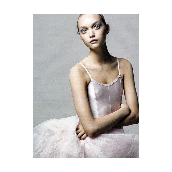 [ファッション誌] [VOGUE] [VOGUE ITALIA 2005年4月号] [Think] [Gemma Ward/ジェマ・ワード]... ❤ liked on Polyvore featuring models, backgrounds, ballet, people and photos