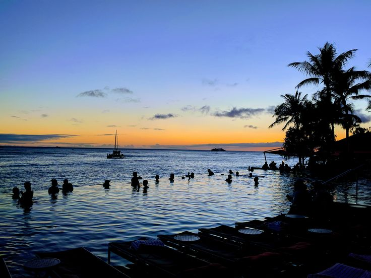 Infinity pool at the Sheraton Waikiki #hawaii #oahu #waikiki #aloha #honolulu