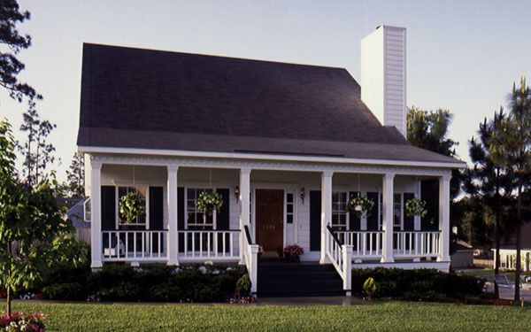 Usually simple in design, a French Creole home is small, typically one-story high and consists primarily of wood