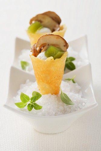 Parmesan cones with porcini mushrooms #plating #presentation