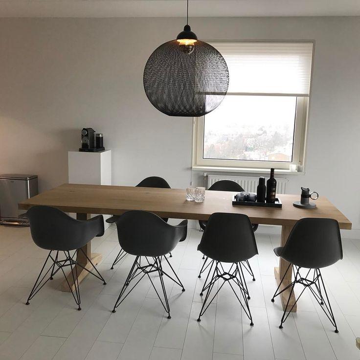 "39 Likes, 6 Comments - @huys.interior on Instagram: ""Geen filter nodig #interieurdesign #vitra #oakwood #moooi #nonrandom #light #DAR #basalt #chair…"""