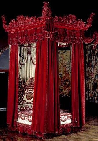 http://www.museumfurniture.com/