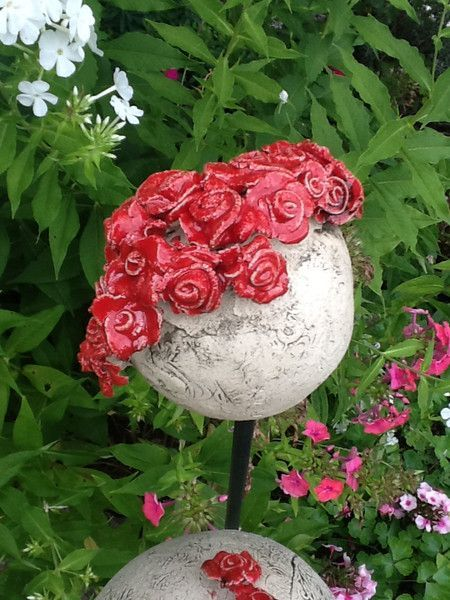 Garden Balls & Stelae – Roses Ball Rose – ein Unikat von Bodenseekera … – Ke …   – Keramische Kunst