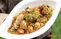 Seperti makanan Manado lainnya, ayam rica-rica ini terkenal akan kepedasannya yang menantang. Tapi jangan khawatir, jika kamu nggak suka pedas, kam