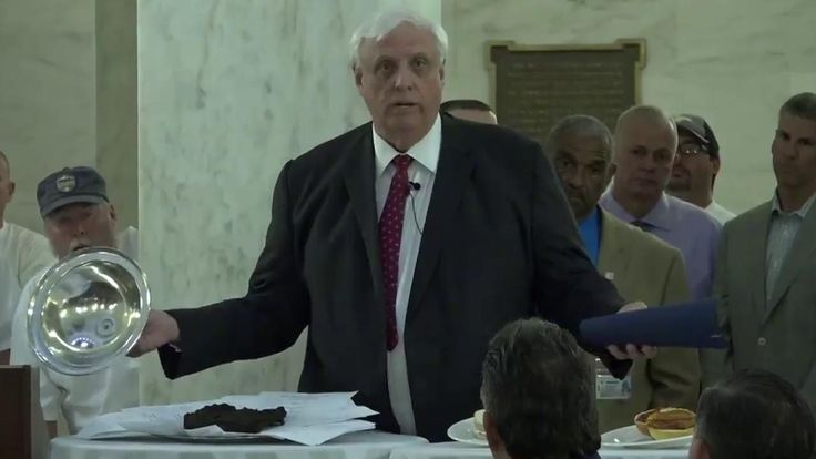 It only insulted the legislators! West Virginia governor displays bull dung, as budget metaphor this really happened http://www.foxnews.com/politics/2017/04/14/west-virginia-governor-displays-bull-dung-as-budget-metaphor-yes-this-really-happened.html?utm_campaign=crowdfire&utm_content=crowdfire&utm_medium=social&utm_source=pinterest