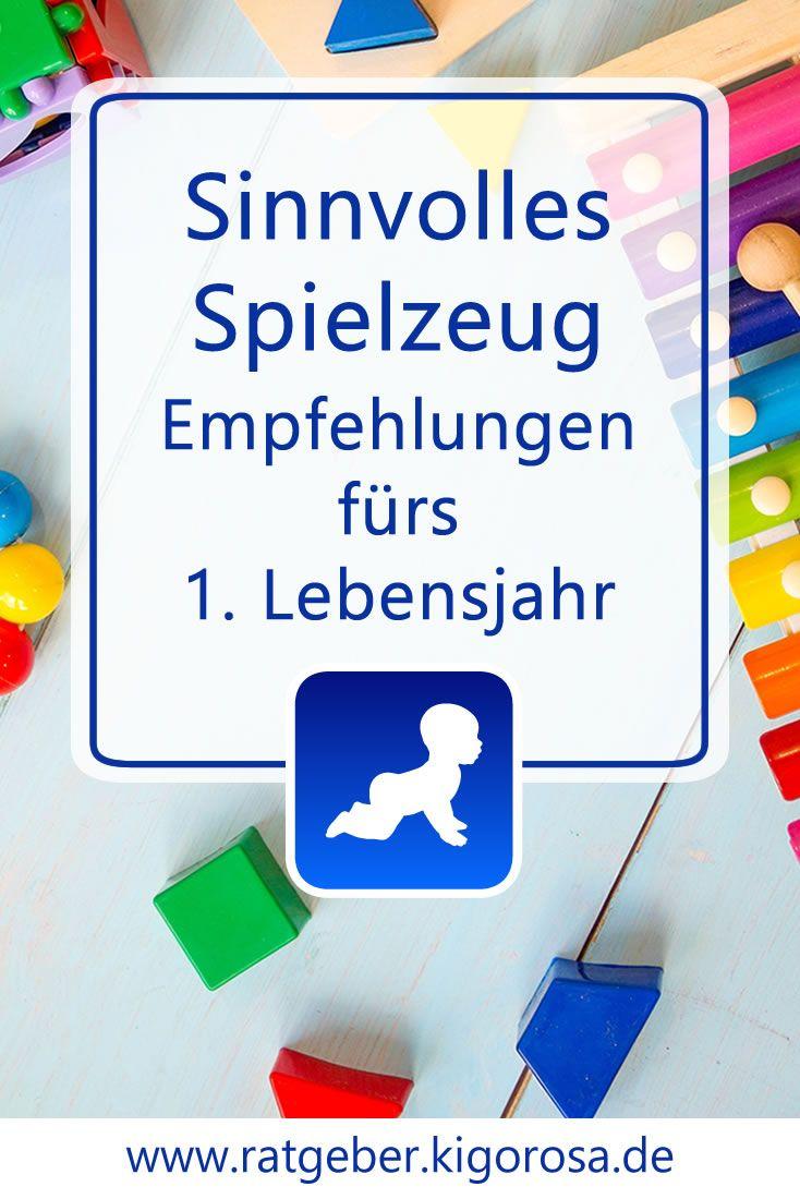Du möchtest dein Baby in seiner Entwicklung spielerisch unterstützen, weißt aber noch nicht genau wie? Hier findest du Spielideen und Spielzeuge, mit denen du dein Baby im 1. Lebensjahr prima fördern kannst – und...