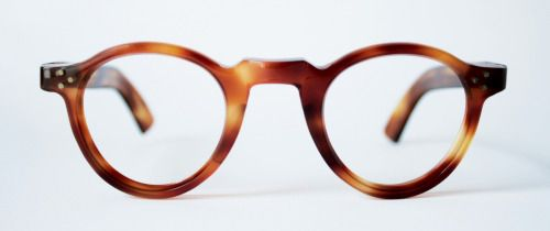 Original 1940s spectacle frames in faux tortoiseshell from General Eyewear's 790-995 series.