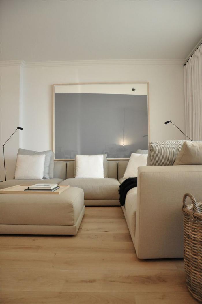 canapé beige, équipement de salon minimaliste, grands sofas cosy en beige