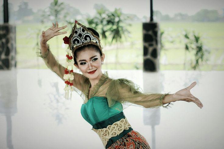 Dance jaipong