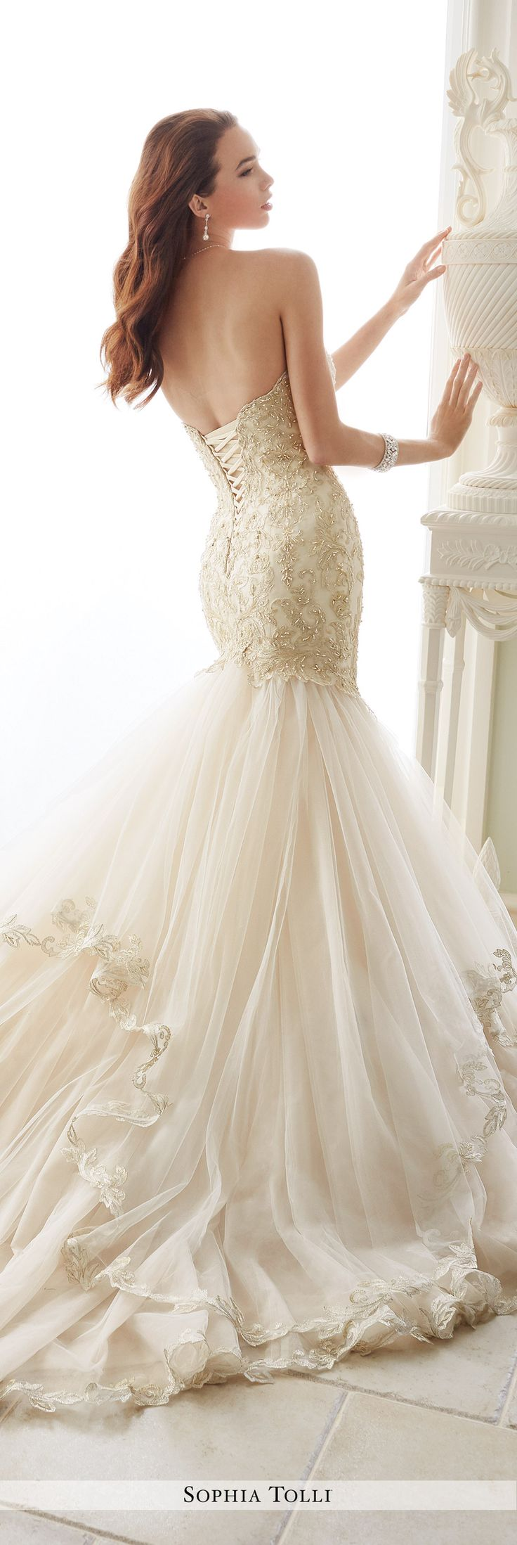 Best 25 trumpet gown ideas on pinterest for Trumpet style wedding dresses