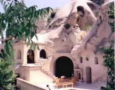 Gamirasu Cave Hotel (Turkey): a cave on a volcanic rock