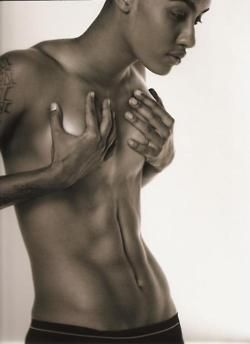 AzMarie Livingston: Why? Why does she have to be so utterly gorgeous!?!