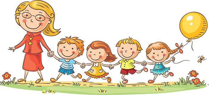 Дети 3-5 лет идут на мастер-класс с воспитателем