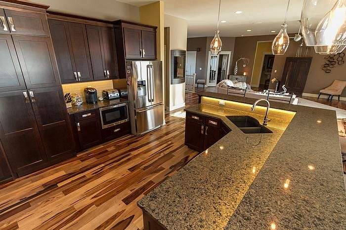 Designer robyn hardwood triangulo natural brazilian for Brazilian pecan hardwood flooring