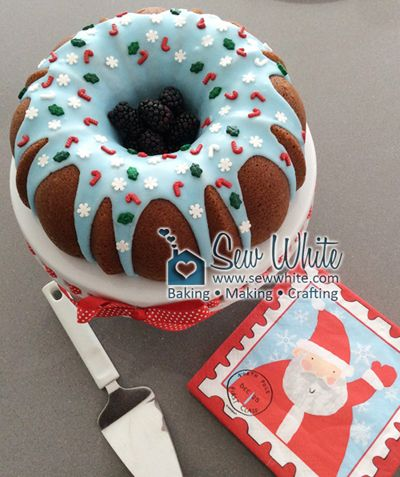 Christmas Apple and Cinnamon Bundt Cake Recipe | Sew White