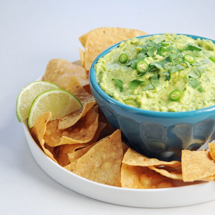 How Your Favorite Chefs Make Guacamole