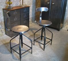les 25 meilleures id es concernant tabourets de bar industriel sur pinterest tabouret. Black Bedroom Furniture Sets. Home Design Ideas