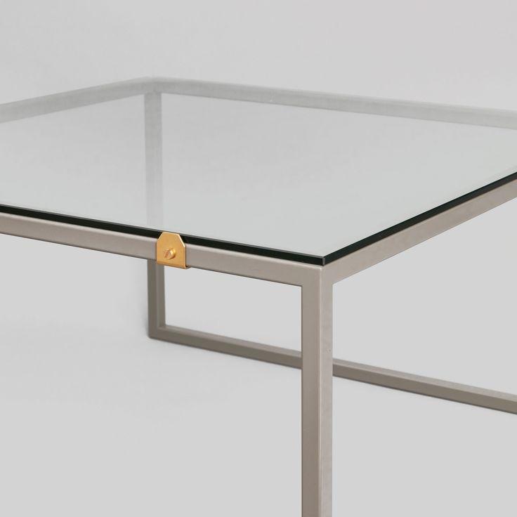 Benställning till våra soffbord som passar till våra bordsskivor i furu, glas eller ask. Du kombinerar som det passar dig. Till våra benställningar finns även beslag. Bordsskivorna i furu säljer vi…