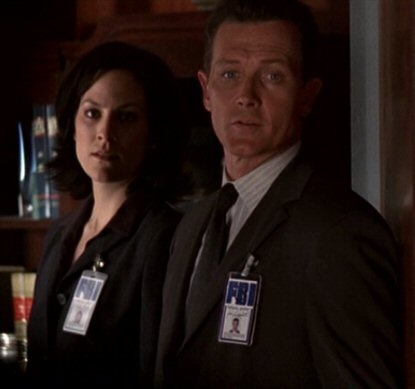 Agents John Dogget and Monica Reyes (Robert Patrick & Annabeth Gish)