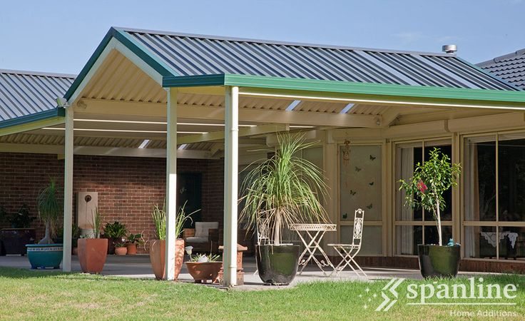 Make the most of your outdoor space with a Spanline patio, custom designed to perfectly suit your home and style.
