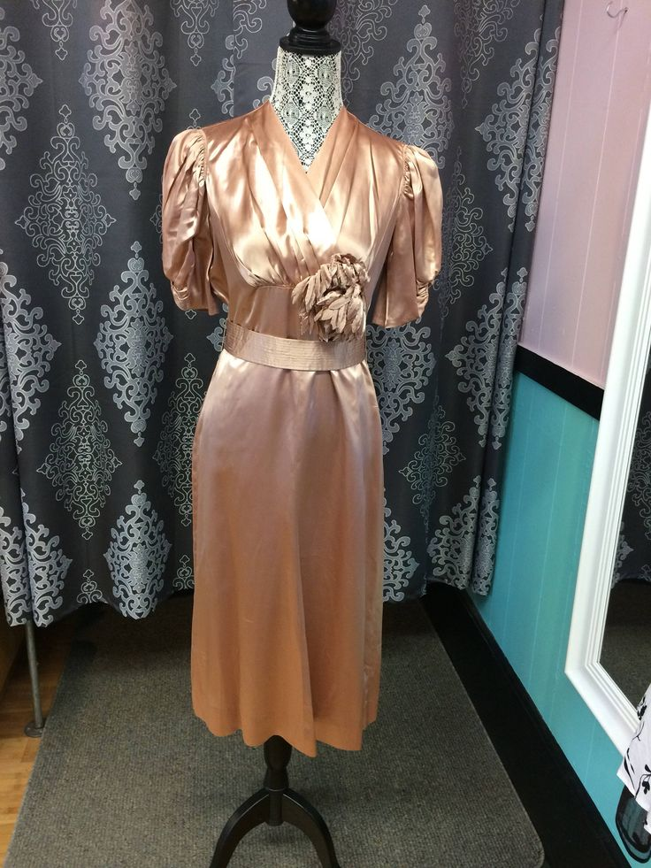 40s dress // 1940s vintage dress // beautiful champagne coloured 1940s satin dress by Sheilasbombshell on Etsy https://www.etsy.com/ca/listing/531322071/40s-dress-1940s-vintage-dress-beautiful