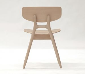 I love the rounded legs of this chair designed by Jasper Morrison for Kettal