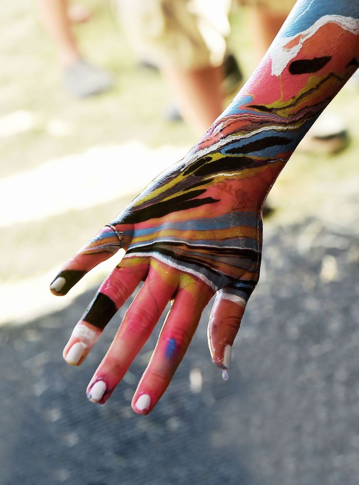 Body Marbling Is The Easiest & Coolest Way To Paint Your Skin+#refinery29