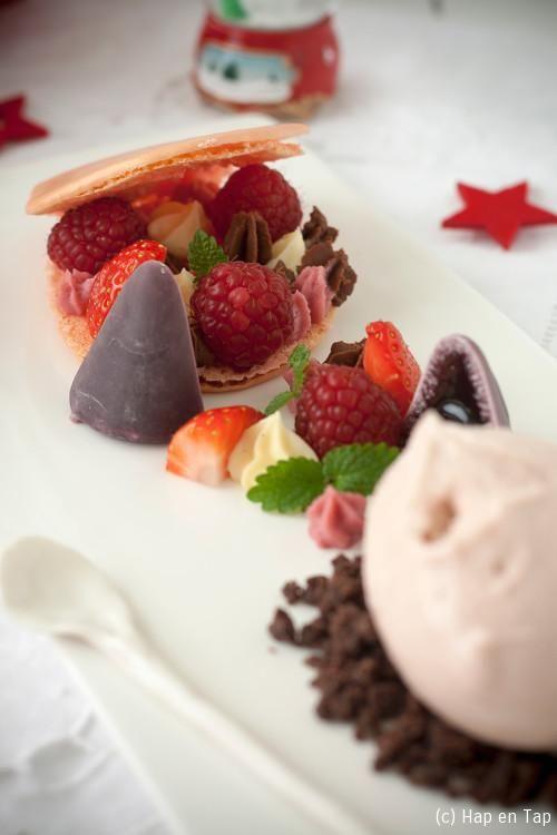 Macaron met rood fruit & mascarponecrème