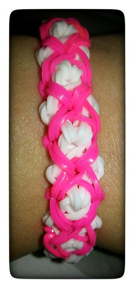 Rainbow Loom Bracelet by Chantal Vandereems. (Rainbow Loom FB page). Click photo for Facebook Page instructions by Chantal. 05/05/14. (This is NOT the Dazzle bracelet as originally posted.)