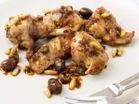 ricetta coniglio-con-olive-e-pinoli-alla-ligure
